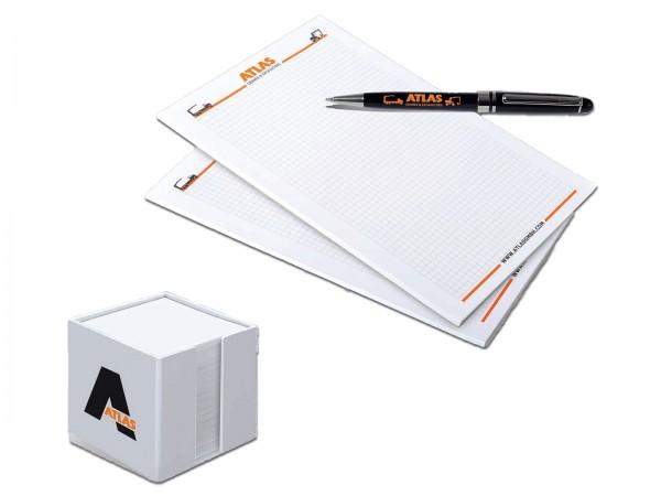 Quaderni ,penne, porta-fogli
